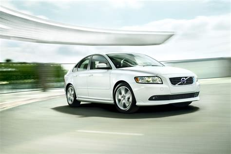 2011 s40 volvo 2011 volvo s40 review specs pictures price mpg