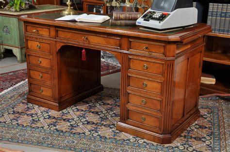 scrivanie di lusso scrivania di lusso da centro stanza con 11 cassetti