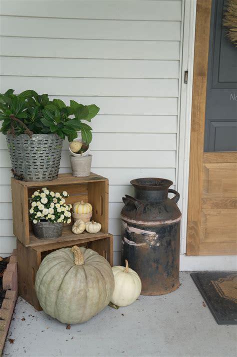 85 pretty autumn porch d 233 cor ideas digsdigs front door thanksgiving decorating ideas 28 osterdeko