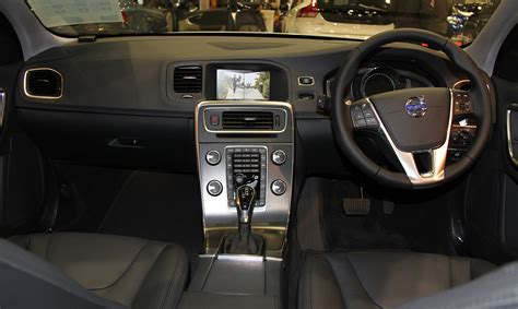 how does cars work 2003 volvo s60 navigation system file volvo s60 t4 se interior jpg wikimedia commons