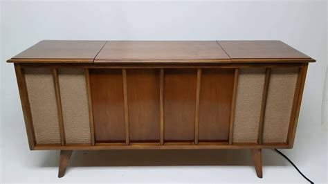 wood cabinet cd player sylvania record player cabinet cintronbeveragegroup com
