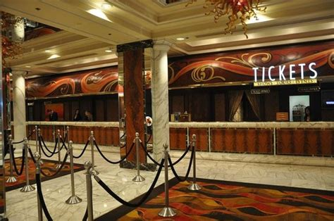 Golden Nugget Front Desk by Front Desk Picture Of Golden Nugget Hotel Las Vegas