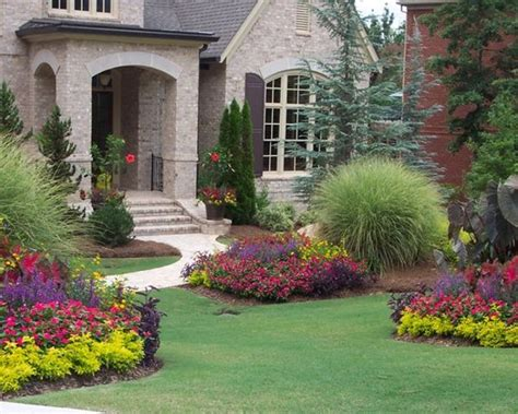 flower beds in front of house pin by naz saiyed on garden idea and flowers pinterest