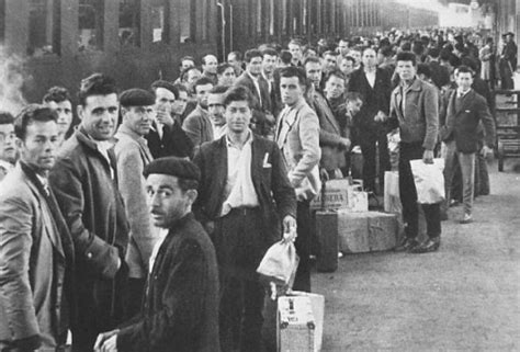 ny ieri e oggi nel libro di gianluca rocchi voglio vivere cos 236 emigrazione italiana in svizzera ieri e oggi