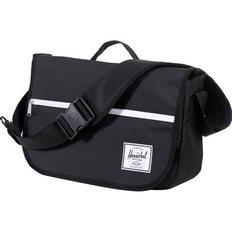 Bag Snob Pop Quiz by Herschel Supply Pop Quiz Messenger Bag 903cu In