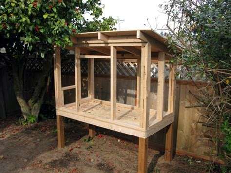 easy backyard chicken coop plans coopframe480 good photos and info 6 chickens in the backyard pinterest coops