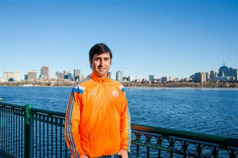 Mba Program Running A Lab by Mit Strong Mba Student Honors Pledge To Run Boston