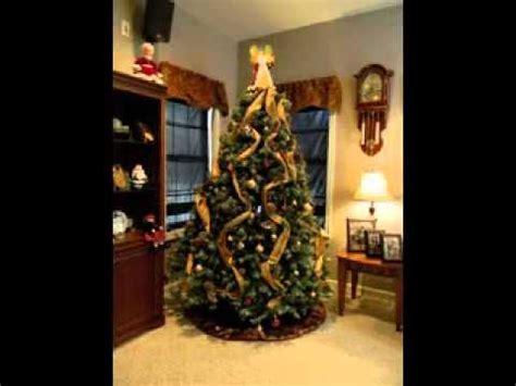 utube how to wrap ribbon around the tree tree ribbon decorating ideas