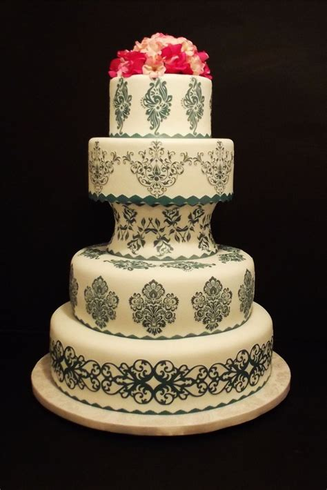 Where Can I Buy Wedding Cake Decorations by Where Can I Buy A Cricut Cake Machine Cake Decor Cake