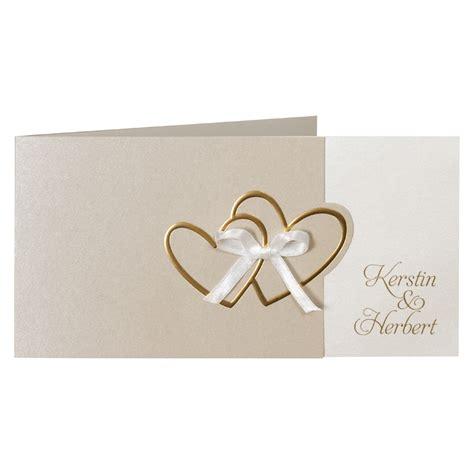 Hochzeitseinladungen Mit Herz by Hochzeitseinladung Mit Gepr 228 Gten Goldenen Herzen Und Schleife