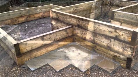 build  vegetable garden  raised beds