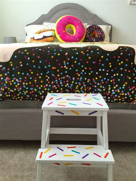 cupcake bedroom 1000 ideas about candy themed bedroom on pinterest