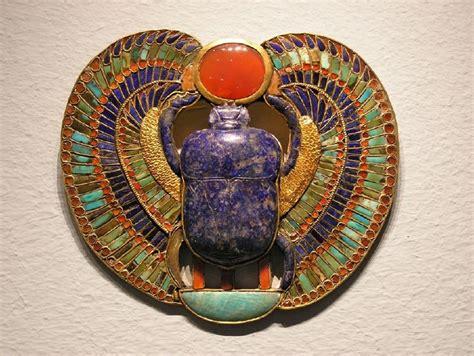 imagenes escarabajo egipcio joya egipcia el escarabajo alado pectoral de tutankamon