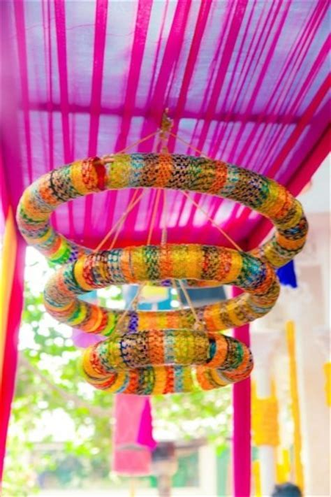 6 Innovative ways to use Bangles in your wedding decor