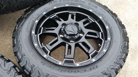 toyota oem wheels 20 quot toyota tundra oem 2016 tss black wheels and tires