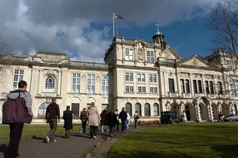 Cardiff Mba Fees by Tuition Fees Soar By 8 Costing Students 163