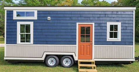 2 bedroom tiny house tour this beautiful 2 bedroom tiny house on wheels with us