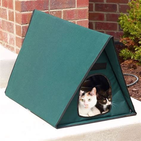 outdoor cat houses for multiple cats best 25 heated outdoor cat house ideas on pinterest heated cat house outside cat