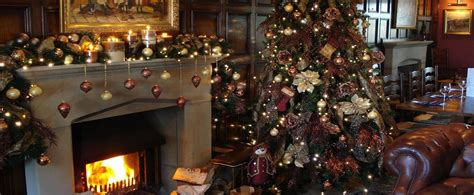 christmas decorating and festive lighting service for
