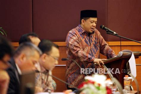 biografi fahri hamzah wakil ketua dpr fahri belum paham alasan dirinya dipecat pks republika