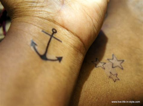 how to do a fake tattoo 15 awesome crafts made with temporary tattoos