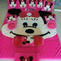 Karpet Karakter Warna Pink karpet kasur lunairasyifa