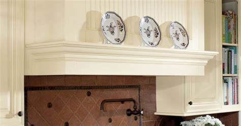 waypoint s style 720 in maple butterscotch glaze waypoint living spaces style 720 in maple butterscotch