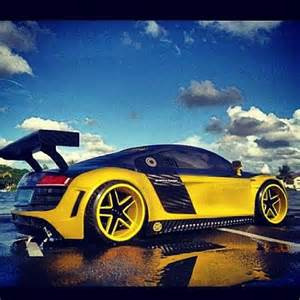 black and yellow baby sporty audi r8 car