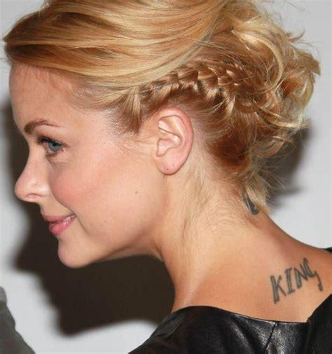 jaime king tattoo behind ear famous celebrity tattoos 56 pics izismile com