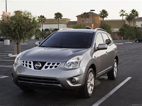 Nissan Rogue (2011)