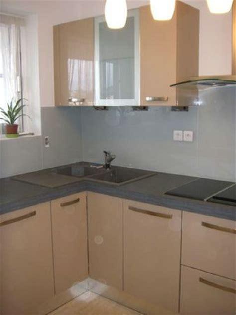 cr馘ence cuisine en verre cr 233 dence de cuisine et plan de travail en verre laqu 233