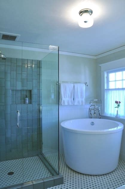 japanese soaking tubs  small bathrooms bathtub designs