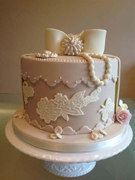 Best 25  Hat box cake ideas on Pinterest   Wedding cake