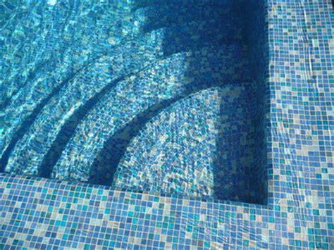 carrelage piscine est ce le meilleur rev 234 tement piscine