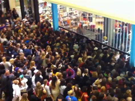 Thanksgiving Shopping The Worst Black Friday Moments Video Business Insider