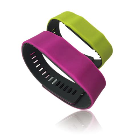 rfid silicone bracelet with custom logo in china