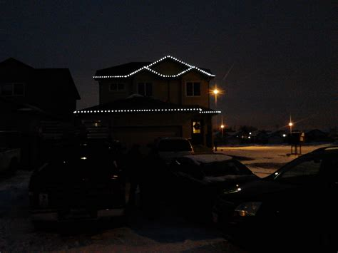 christmas light install winnipeg rural mb eaves