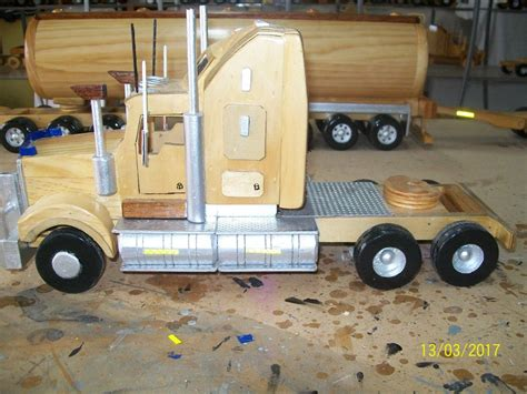 wooden kenworth truck 1 20 scale kenworth t908 909 heading off to a western