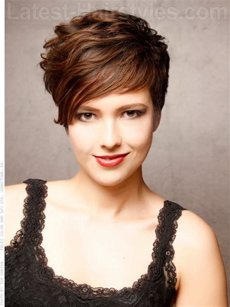 short sassy hair cuts for women over 50 with thinning hairnatural short sassy haircuts for women over 50