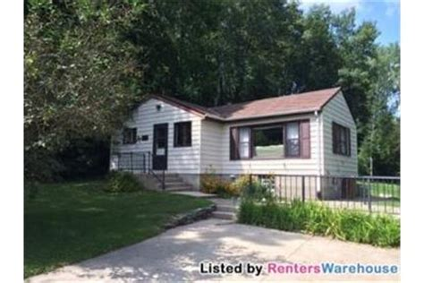 1 2 bedroom homes for rent 1 bedroom 2 bath single family home for rent in west bend wi rentdigs com