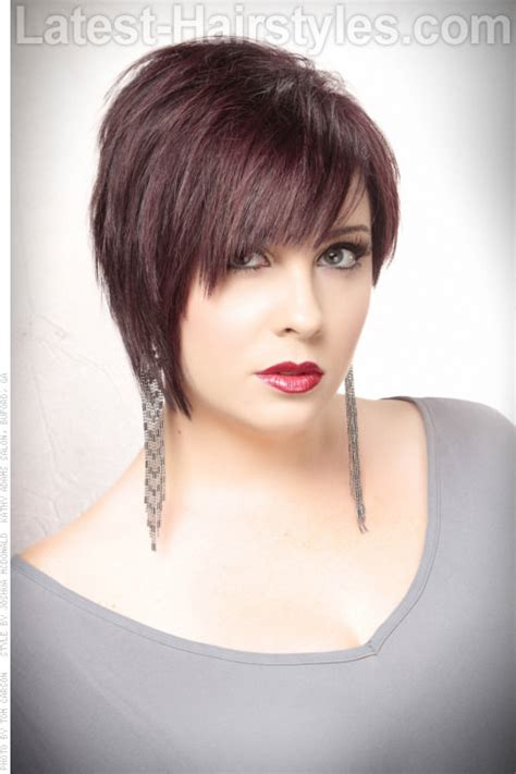 chop hairstyle for women longer version short texturized bob hairstyle an inch or 2 longer in