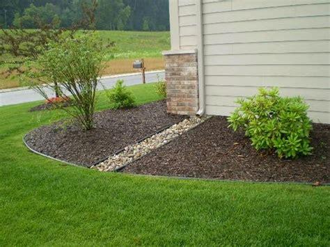 Landscape Edging To Prevent Erosion Prevent Erosion Plants Back Porches The