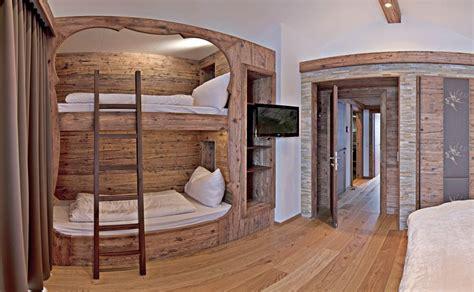 schlafzimmer ideen alt schlafzimmer mit doppelstockbett und altholz kreative