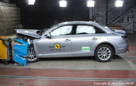 Audi A4 Crashtest by Audi A4 Crash Test 2012 Wroc Awski Informator