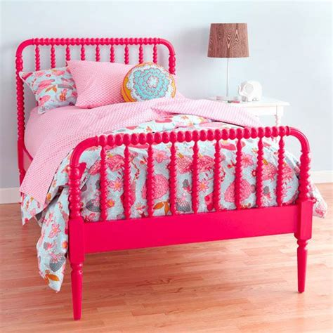 lind bed on lind spool bed and