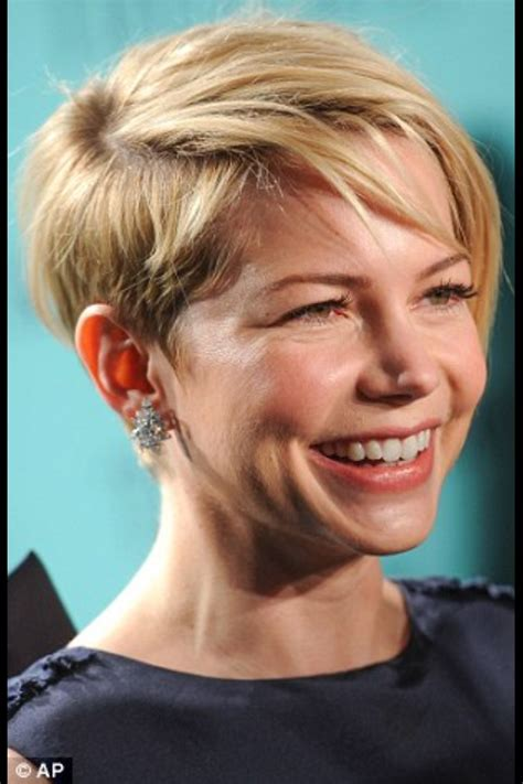 hair cut for 36 year old love michelle williams haircut hair pinterest