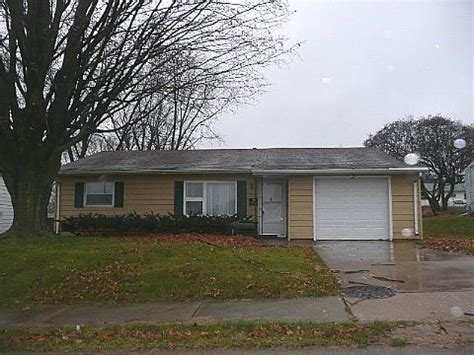 houses for sale in davenport iowa 1323 w kimberly road davenport ia 52806 foreclosed home information foreclosure