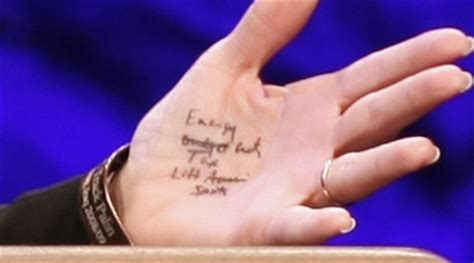 sarah palin wrote notes on her hand for tea party speech