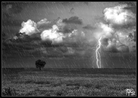 imagenes blanco y negro lluvia tormenta sobre la ci 241 a 2 jggweb el blog de garc 237 a g 225 lvez