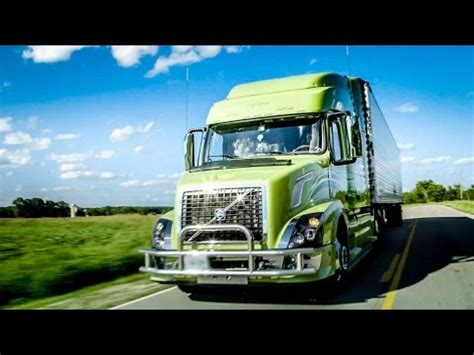 volvo trucks husband wife team turns heads   custom vnl    cab youtube